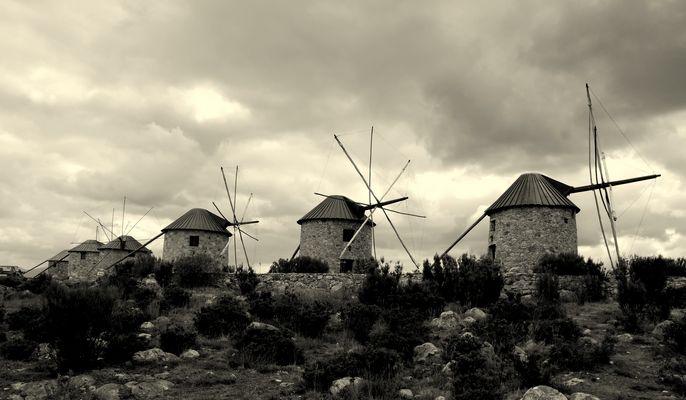 moulins portugal noir et blanc