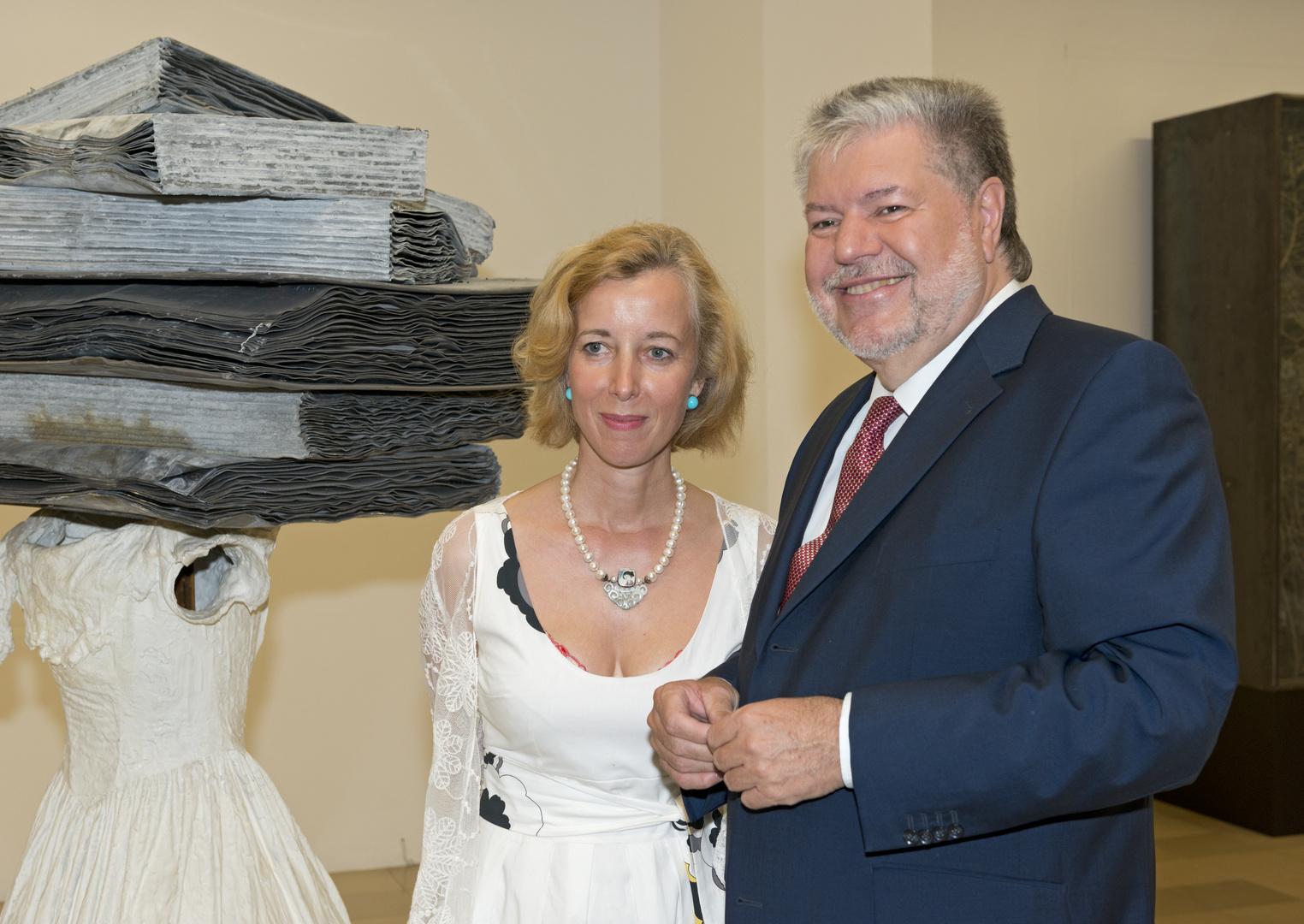 MP Kurt Beck zu Gast bei Dr. Beate Reifenscheid - Direktorin des Ludwigmuseums in Koblenz