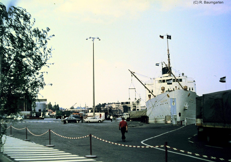 MS AALLOTAR Fähre am Kai von Travemünde 1973