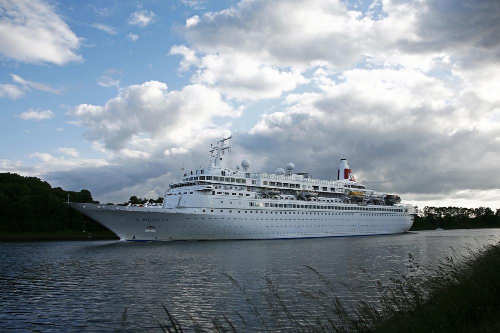 MS Boudicca im Nord-Ostsee-Kanal