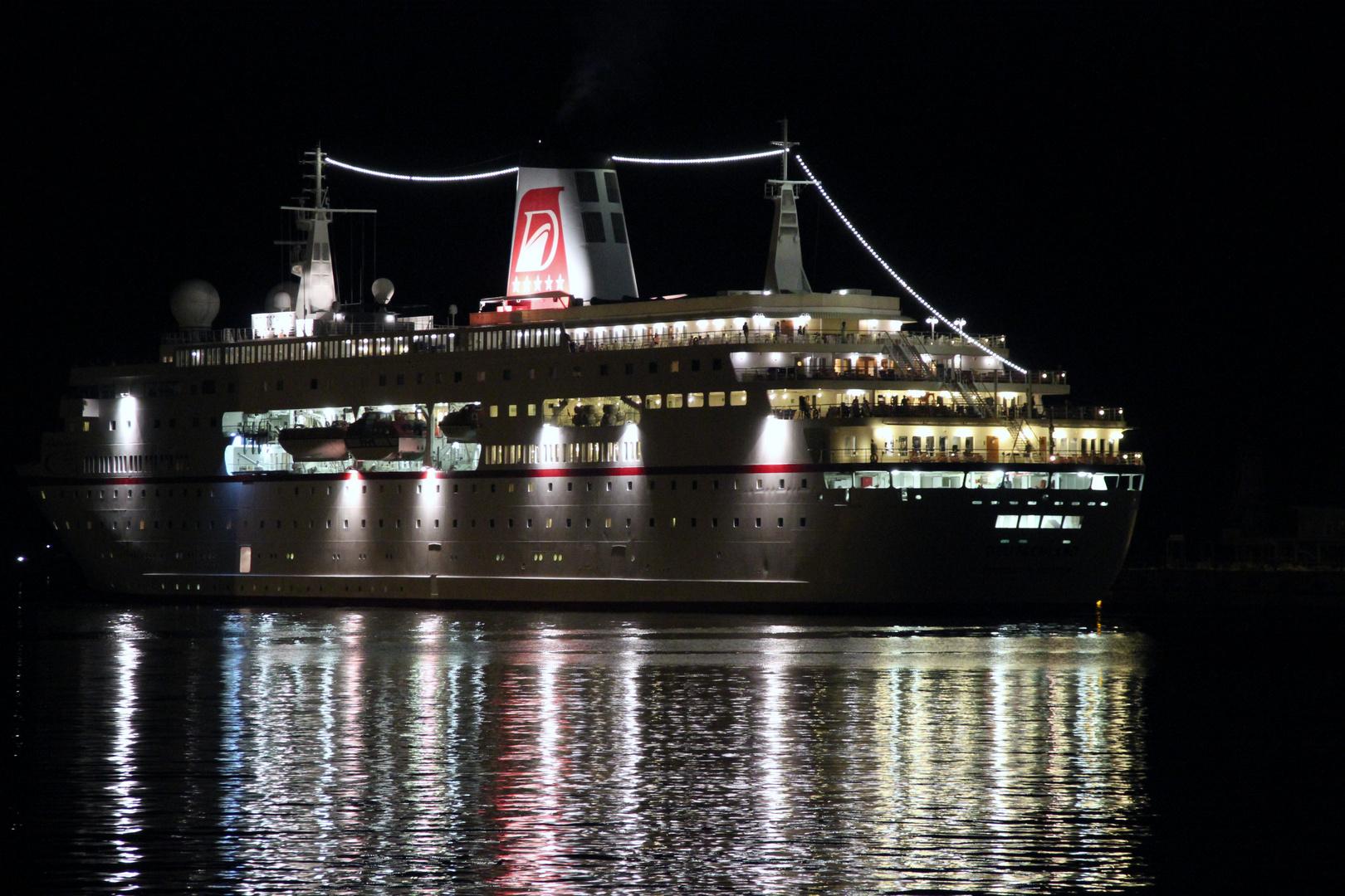 MS Deutschland, Traumschiff