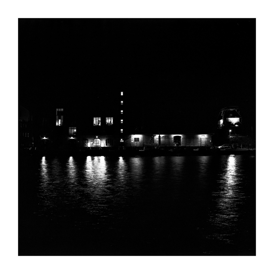 MS-Hafen bei Nacht
