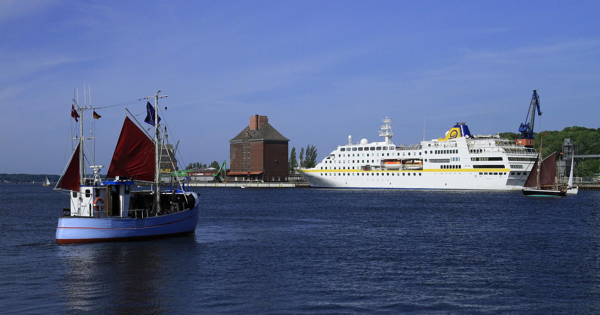 MS Hamburg ehemals MS Columbus