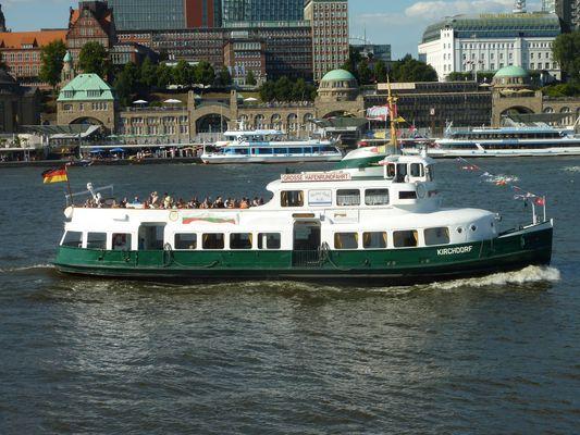 """MS """"Kirchdorf"""" vor Hamburg , 13.08.2012"""