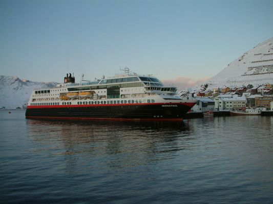 "MS ""Midnatsol"" in Honningsvaag"