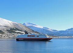 MS Nordnorge -Hurtigruten-  in Sortland / Norwegen