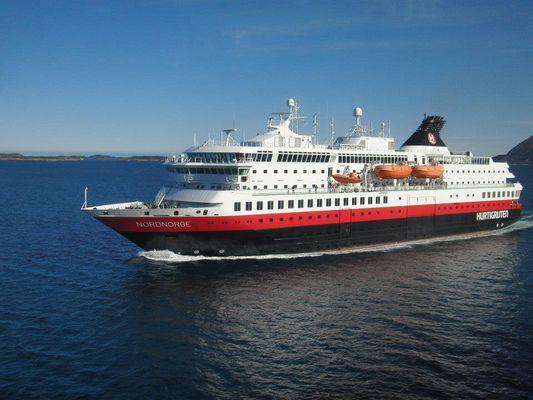 MS Nordnorge um 7.30 am Polarkreis