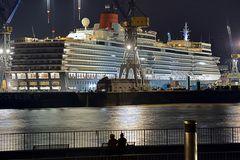 MS Queen Elizabeth