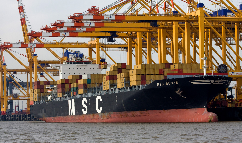 MSC Busan an der Stromkaje Bremerhaven