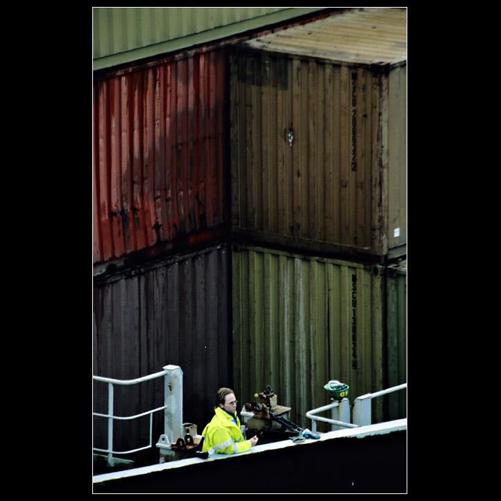 MSC - Mensch stapelt Container 01