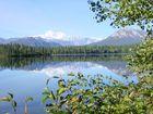 Mt. McKinley spiegelt sich im Byron Lake