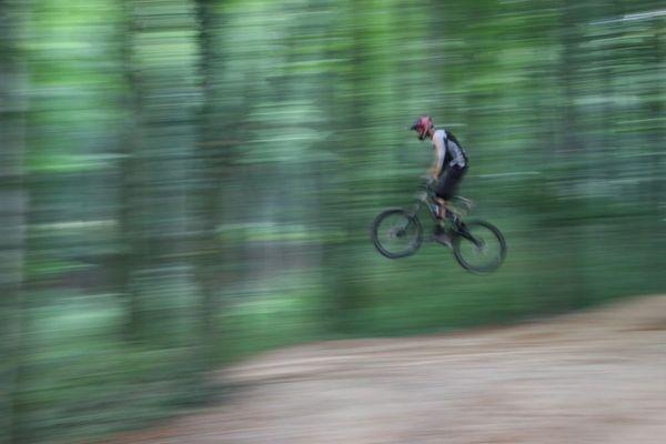 MTB Sprung in den Baumbergen.