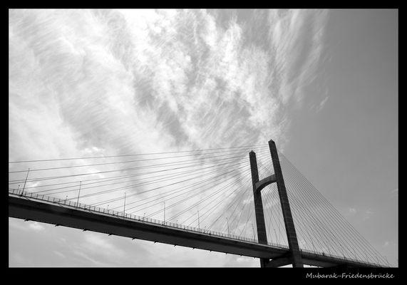 Mubarak-Friedensbrücke