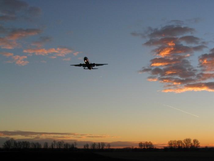 MUC - Landung im Sonnenaufgang