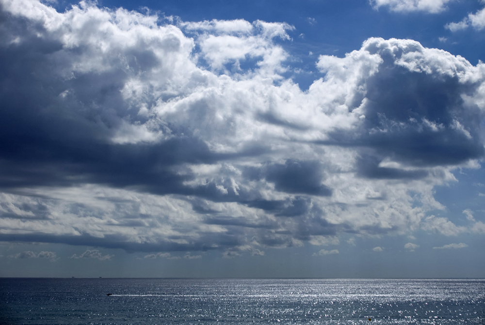 Mucha nube y poco agua