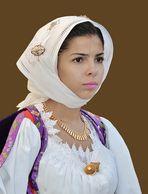 Muchacha en traje tipico de Cerdeña