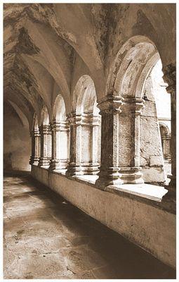 Muckross Abbey, Kreuzgang