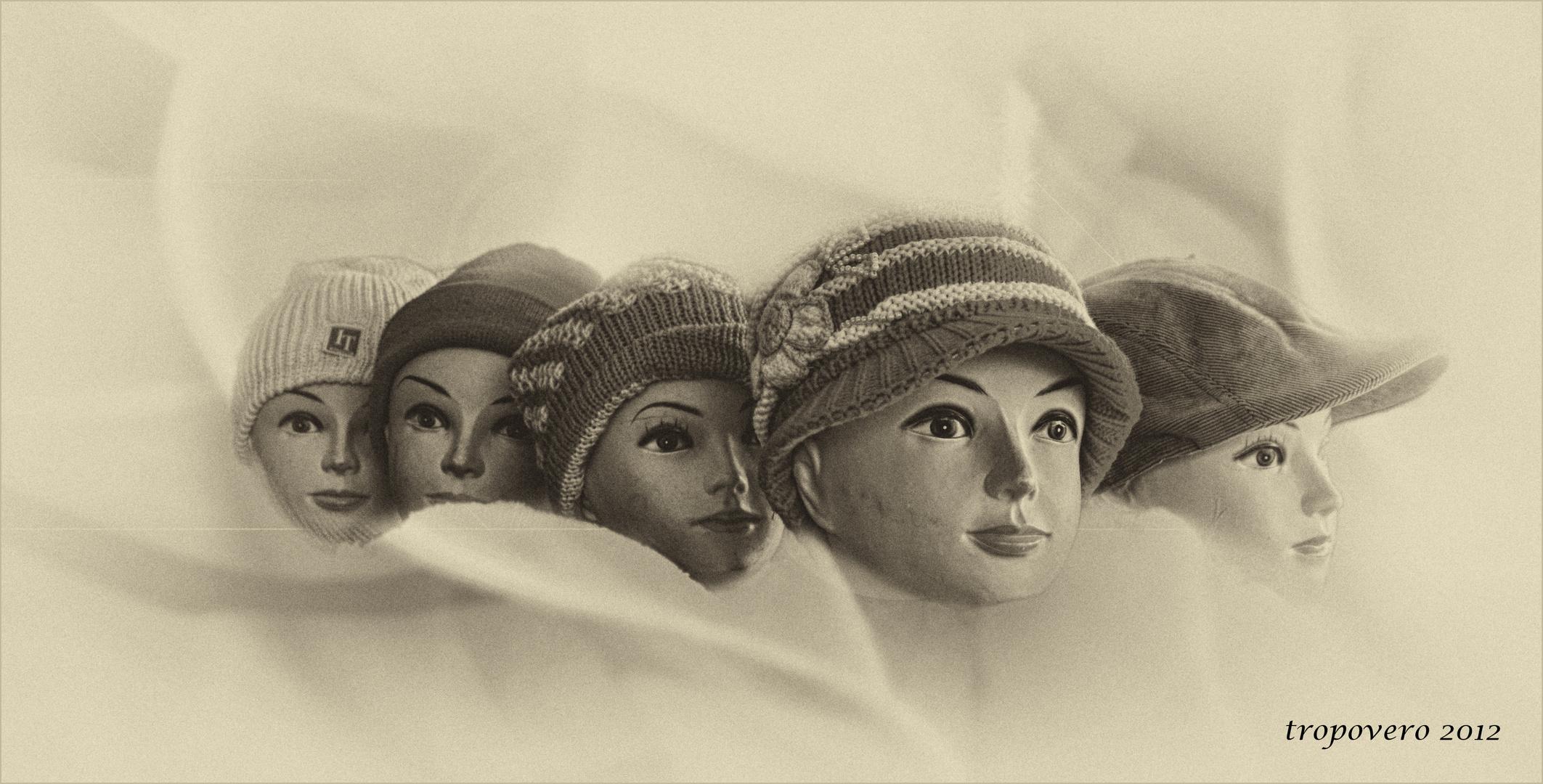 Muñecas de cartón (Para Alfonso Díaz)