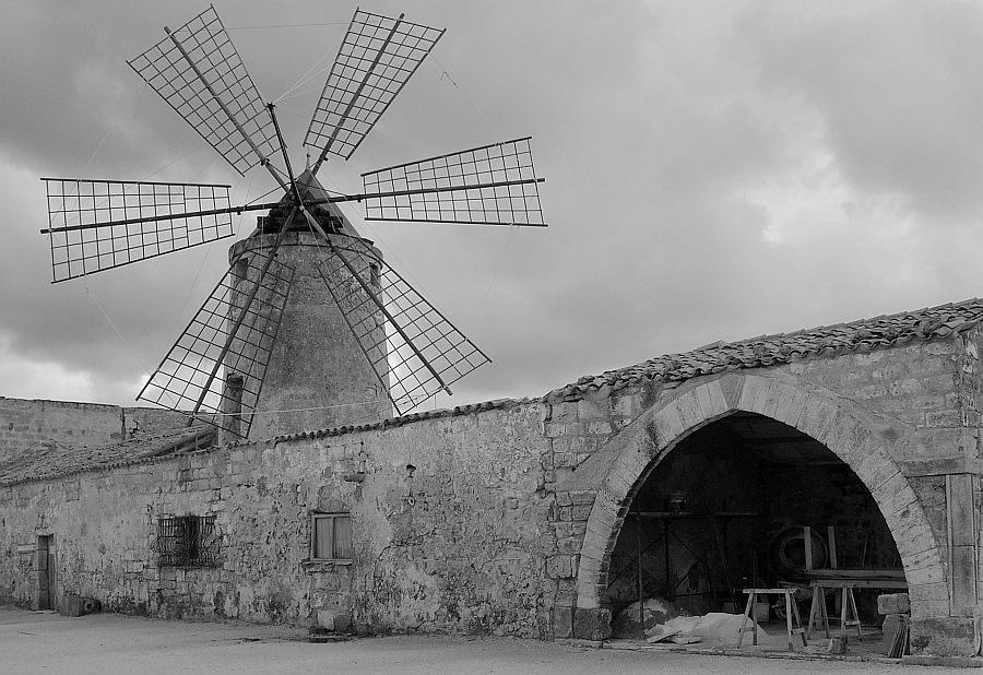 Mühle bei den Salinen von Trapani (Sizilien)