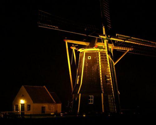 Mühle in Aagtekerke bei Nacht
