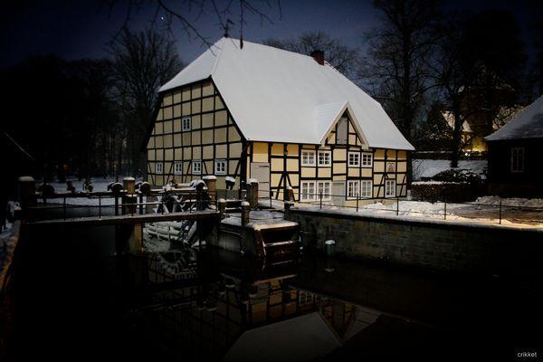 Mühlenrad am Schloss Rheda...