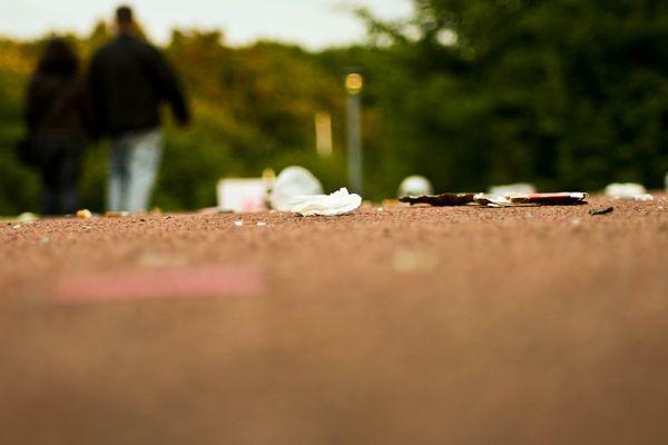 Müll vor der Schalke Arena
