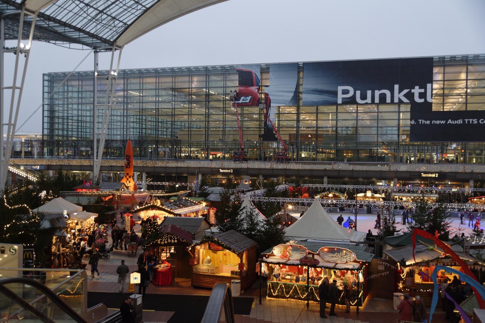 München Flughafen Weihnachtsmarkt