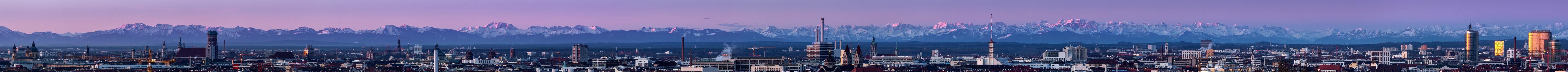 München kurz vor Sonnenaufgang