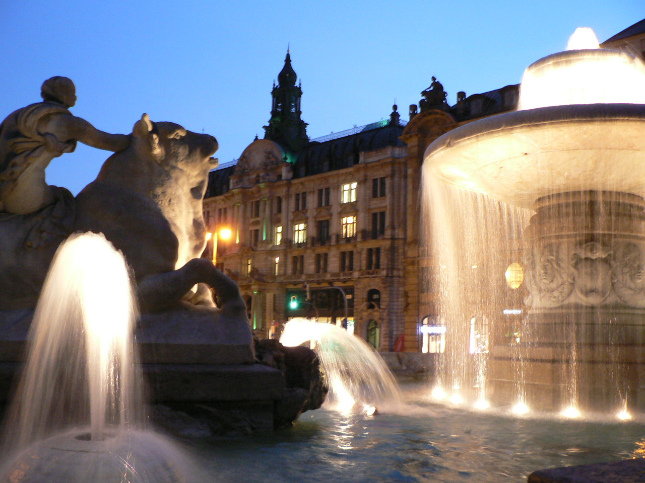 München Nachtbrunnen
