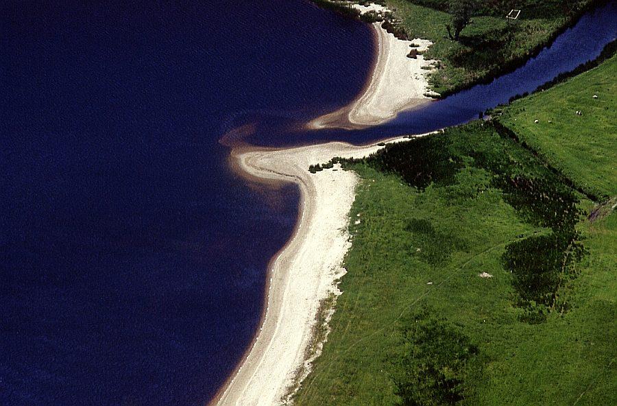 Mündung in Lough Tay