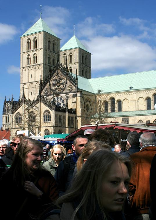 Münster: Wochenmarkt auf dem Domplatz