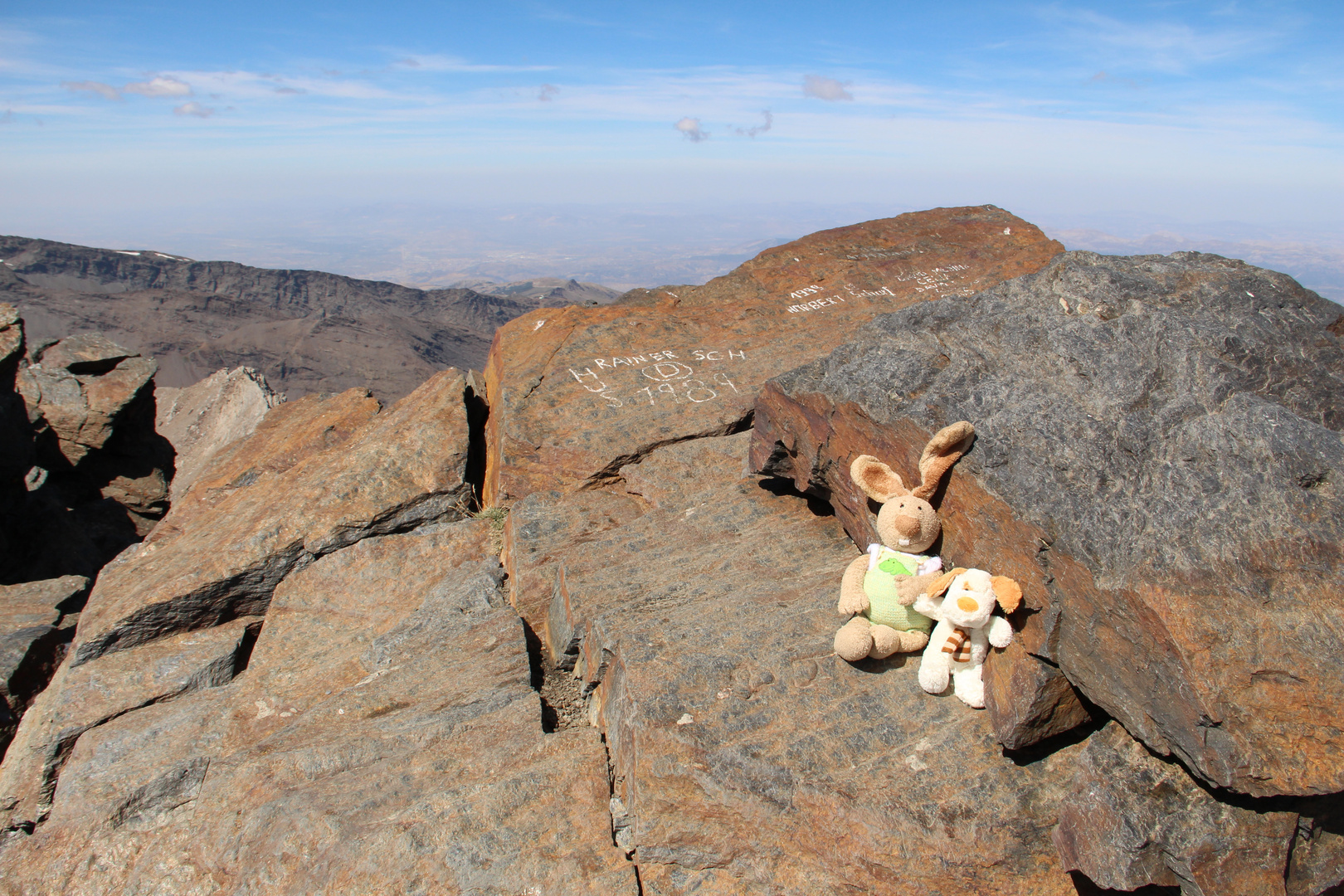 Mulhacén, Hase und Struppkowsky auf dem höchsten Gipfel der Sierra Nevada.