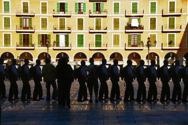 Multitudinario encuentro de fotografos en la Plaza Mayor de Palma