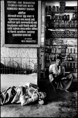 Mumbay - Sleeping at the market