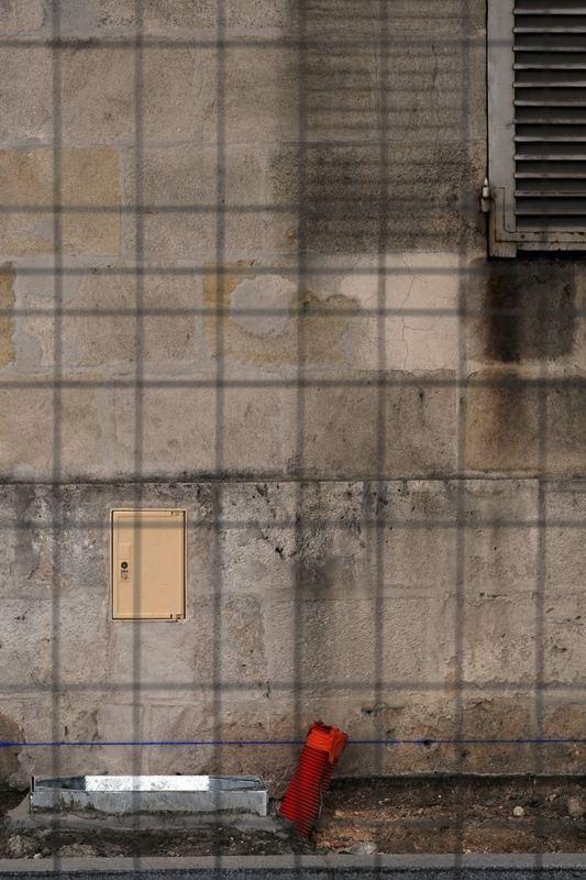 mur et rouge