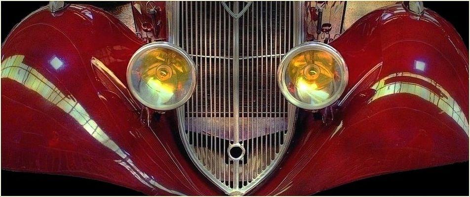 Musée automobile de Reims-Champagne / Un regard de verre