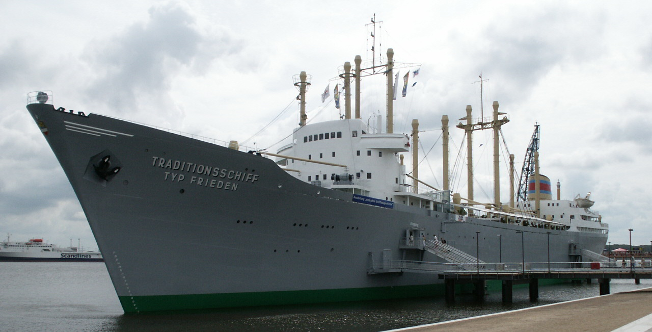 Museumsschiff im Rostocker Hafen