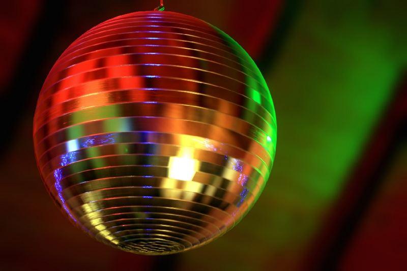 music makes you wanna dance
