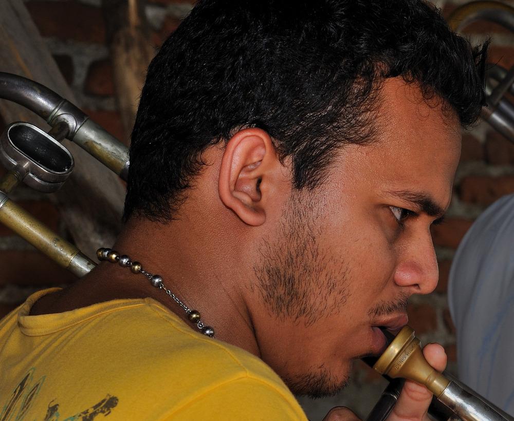 Músico de Salsa en Bayamo 02