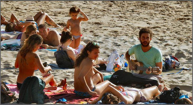 Musique à la plage. Music on beach.