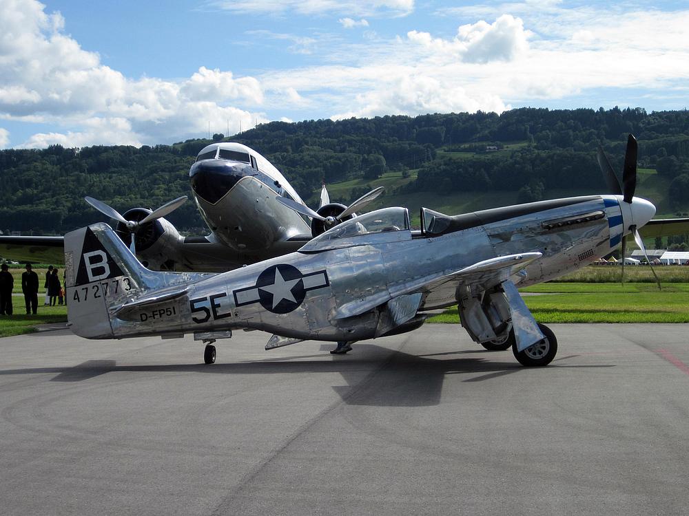 Mustang P-51 und DC-3