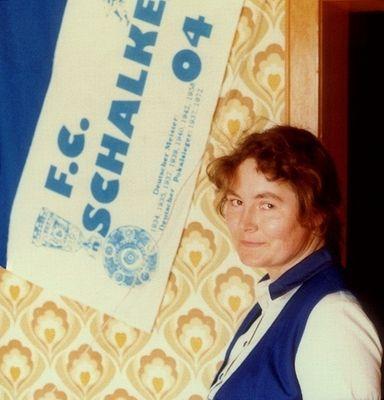 Mutter. Schalke. (Schnappschuss, 1982)