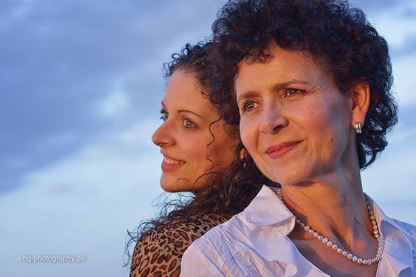 - Mutter und Tochter -