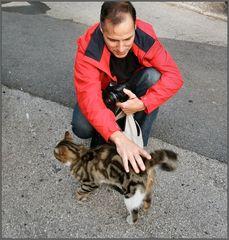 My friend Antonio training for  cat-sitter:-))))