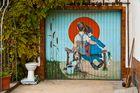 My Klo is my ... Garage mit; - das Ding über den Hof ... ;)