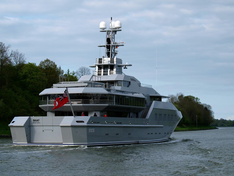 M.Y. SKAT fährt in Richtung Kiel