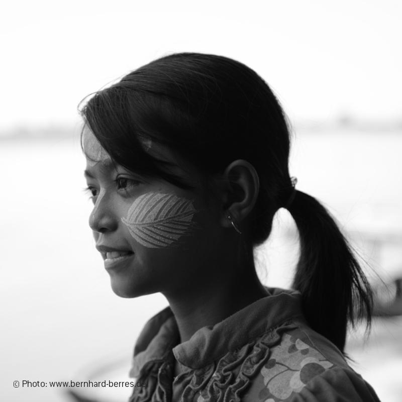 Myanmar - stolze Burmesin