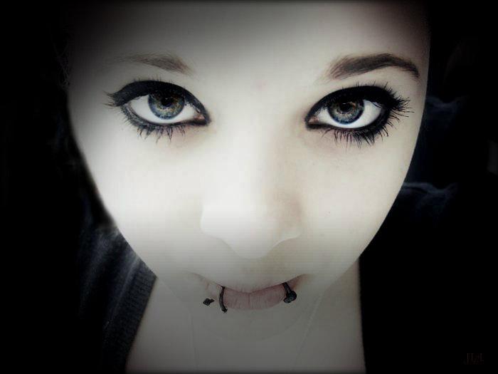 Mysteriöse schöne Augen