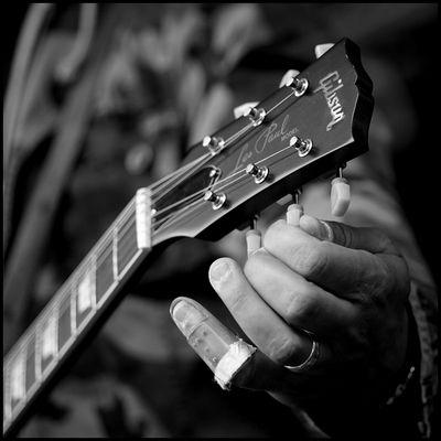 n' Gitarrenfoto ...