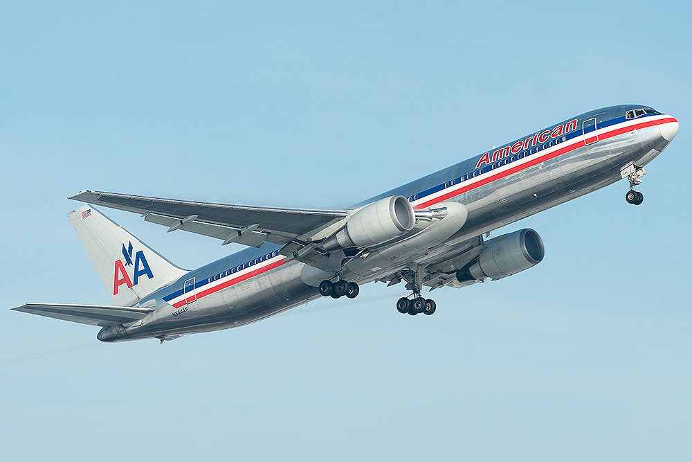 N344AN Boeing 767-323(ER) American Airlines, wird bald mit neuer Lackierung unterwegs sein